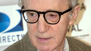 800px-Woody_Allen_at_the_premiere_of_Whatever_Works.jpg